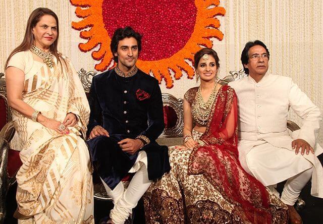 Naina Bachchan with family