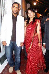 Sakshi Dhoni with M.S Dhoni