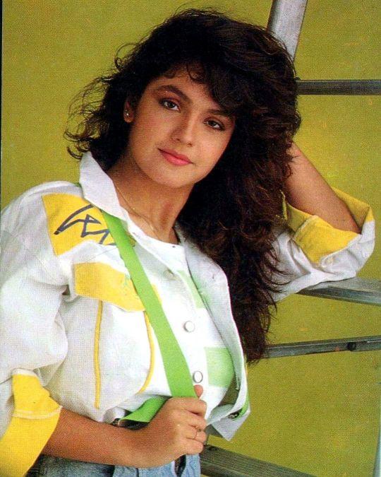 Sexy photos of Pooja Bhatt