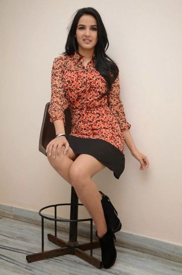 Photo of Jasmin Bhasin
