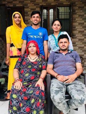Ravi Bishnoi photo