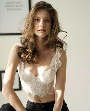Hot Photos of Anastasia Cebulska