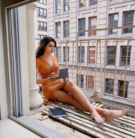 Hot Photo of Elissa Patel