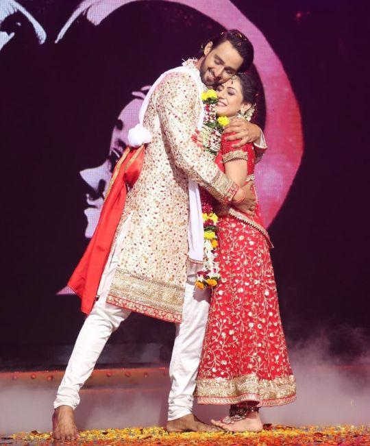 Ridhima Jain Couple photo