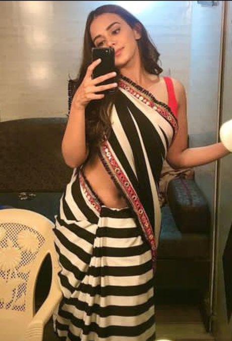 Hot Pics of Monica Chaudhary