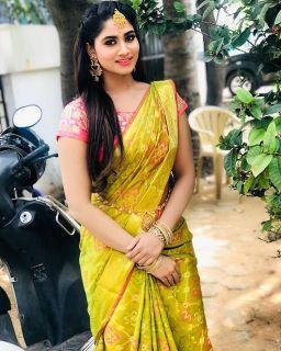 Latest pics of Shivani Narayanan