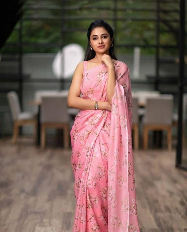 Priyanka Arul Mohan best pics
