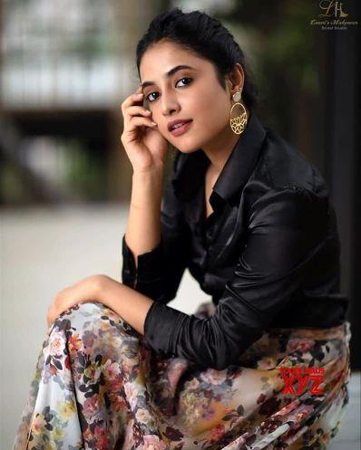 Priyanka Arul Mohan hot photos