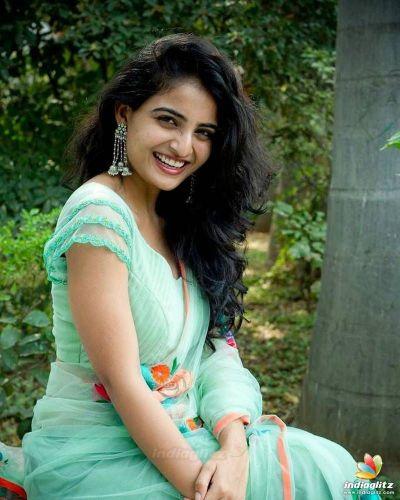 Ananya Nagala photos