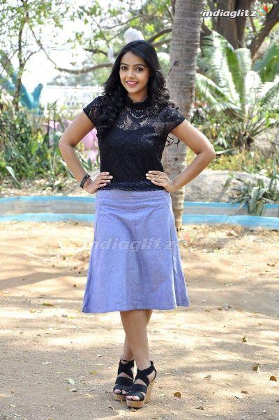 Nithya Shetty hot images