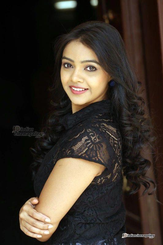 Nithya Shetty photo