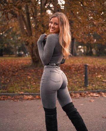 Dominique Asgeirsdottir Photos