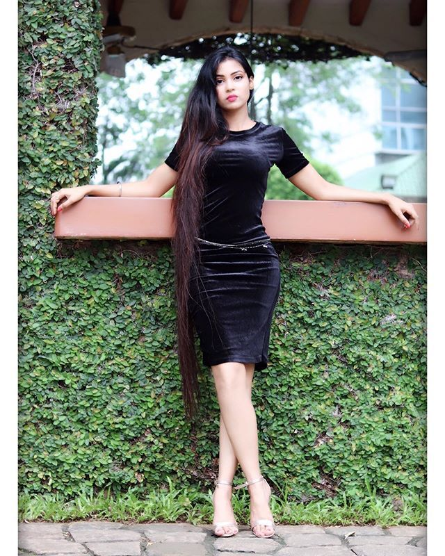 Hot Pics of karriena shah